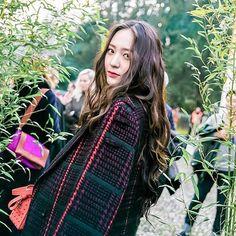 . [ HQ ] 170224 Krystal - Tod's Fashion Week Event in Milan. She's truly a goddess, no doubt . © Jeong_jaehoon | Krystal.news || Sorry for spam || . . -- Hashtags : ~#krystal#krystaljung#baekhyun#suho#luhan#lay#kris#tao#kai#sehun#chen#xiumin#chanyeol#do#exom#exok#exol#exo#like4like#likes4likes#likeforlike#likesforlikes#f4f#followforfollow#follow4follow#fff#f4f#lfl#l4l#weareone~
