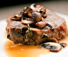 Diabetes-friendly+recipe+for+pork+chops+with+wild+mushrooms.++Delicious+and+easy,+this+diabetic+recipe+takes+just+30+minutes+to+make.+OnTrack+Diabetes+includes+all+nutritional+and+diabetic+exchange+information+to+help+people+with+type+1+diabetes+and+type+2+diabetes.