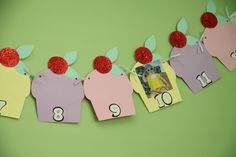 Cupcake Photo Banners - FUNKY PARTY PAPER