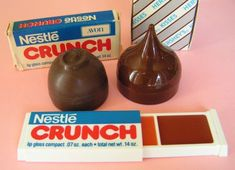 Vintage Avon Crunch Bar Lip Gloss set & Hersey's Kiss & Bon Bons I had the Nestle Crunch one when I was a little girl. Avon Lip Gloss, Lip Gloss Set, Vintage Avon, Vintage Toys, Vintage Makeup, Vintage Vanity, Vintage Beauty, Sweet Memories, Childhood Memories