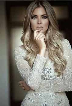 Golden strands. Sparkling soft make-up