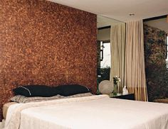 parede da cabeceira revestida com pastilha de coco http://oazulejista.blogspot.com.br/2012/08/pastilha-de-cocoou-melhorda-casca-do.html#axzz3273t3w1i