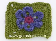 DROPS Crocheting Tutorial: Square to  Marigold flower - Mystery Blanket