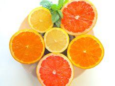 Es gibt eine direkte Verbindung zwischen Cellulite und der Ernährung: Man kann die Orangenhaut durch eine bestimmte Detox-Ernährung reduzieren oder sogar loswerden. Ich habe zu diesem Anlass mein Geheimrezept für Dich.