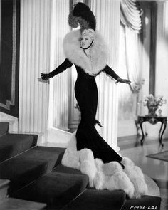All Through the Night - Mae West. Hooray For Hollywood, Hollywood Icons, Hollywood Fashion, Old Hollywood Glamour, Golden Age Of Hollywood, Vintage Glamour, Vintage Hollywood, Hollywood Stars, Classic Hollywood