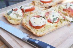 Knoflookbrood met Tomaat en Mozzarella