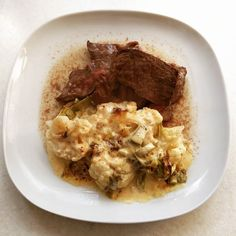 Roast beef with cauliflower cheese. Sauce is double cream extra mature cheddar and s&p. #lowcarbhighfat not #paleo that pesky cheese! #glutenfree #lchf #primal #lowcarb #keto #ketosis #caveman #JERF #cheese #beef #nocarbs #whole30 #beef #beast #fitfam #banting #wholefoods #carnivore #meat #crossfit #eatclean #foodporn #cauliflower #homemade #shredded #brunch #breakfast #lunch by chloelovesketo