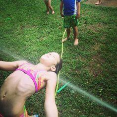 Divertidos juegos de agua para el verano. Juegos de agua sencillos para hacer en…
