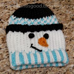LOOM KNIT SNOWMAN HAT. Directions included. Cute Frosty Hat, great DIY gift idea for a child.