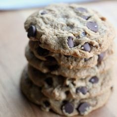 Easy Vegan Chocolate Chip Cookies! Just 6 ingredients and none of them are weird !! Sound delicious! From Baker Bettie! #vegan