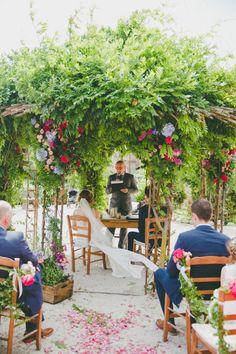 http://www.mrs2be.ie/blue-white-beauty-a-rustic-outdoor-italian-wedding/
