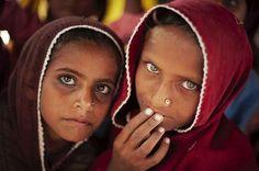 El matrimonio infantil es contrario a la definición de los Derechos del Niño establecida en la CDN (Convención de los Derechos del Niño)