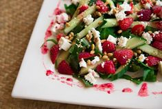 Two Spoons Sensational Salad - Strawberry, Spinach & Feta with Raspberry Vinaigrette! Strawberry Spinach, Spinach And Feta, Home Recipes, Savoury Dishes, Summer Salads, Soup And Salad, Caprese Salad, Vinaigrette, Spoons