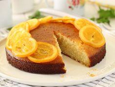 מתכון לעוגה ריחנית, קלה ואוורירית על בסיס סולת, רוויה בסירופ מתוק של תפוזים