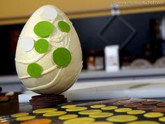 Déclinaison de décors sur œufs de Pâques en chocolat - Recette de cuisine avec photos - Meilleur du Chef Decoration, Table, Touch, Home Decor, Photos, Mesas, Colors, Recipe, Kitchens