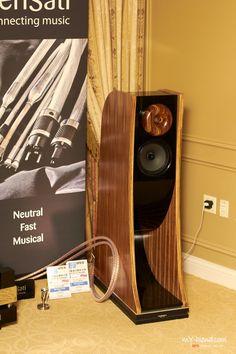 Pro Audio Speakers, Audiophile Speakers, Horn Speakers, Diy Speakers, Hifi Audio, New Technology Gadgets, Speaker Box Design, At Home Movie Theater, Speaker Stands