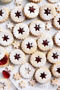 Dusted with snowy powdered sugar, raspberry pecan linzer cookies are perfect for the holidays. Filled with sweet jam, these buttery cookies are delicious! My favorites Chocolate Chip Shortbread Cookies, Linzer Cookies, Toffee Cookies, Buttery Cookies, Chocolate Marshmallows, Spice Cookies, Yummy Cookies, Chocolate Fudge, Jelly Cookies