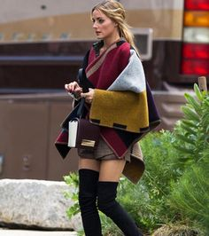 Pin for Later: 54 Times Olivia Palermo Made Us Hate Our Outfits Sexy thigh-high boots paired with an oversize poncho somehow work on the effortlessly stylish Olivia. Fashion Mode, Look Fashion, Womens Fashion, Fashion Trends, Fashion Photo, Fall Fashion, Net Fashion, Fashion 2015, Latex Fashion
