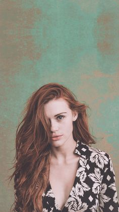 Gorgeous as always Holland Roden for a mobile... - Lana ABA