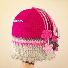 Noa flower beanie by Ricoonm on Etsy
