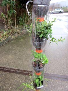 Idee Spullenmannen: bijdragen met 2e hands plastic aan een groenere wereld (verticale tuin)