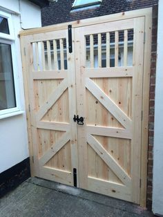 Carpentry and Joinery services provided by a trusted local carpenter in Abingdon, Didcot and Oxfordshire Shed Doors, House Doors, Garage Doors, Woodworking Projects Diy, Woodworking Plans, Wood Projects, Wooden Gates, Wooden Doors, Gate Design