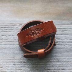 가죽팔찌 leather goods