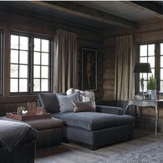Ideas for Decorating a Family Room with Rustic Cabin Style Cabin Homes, Log Homes, Chalet Interior, Interior Design, How To Build A Log Cabin, Home And Living, Living Room, Cabin Interiors, Bungalow