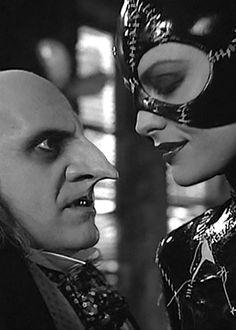 """Danny De Vito, Michelle Pfeiffer in """"Batman returns"""" (Tim Burton, Batman Returns, Tim Burton, Michelle Pfeiffer, Por Tras Das Cameras, Divas, Catwoman Selina Kyle, Danny Devito, Michael Keaton, Im Batman"""