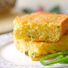 Poblano and Cheese Cornbread | bakeatmidnite.com | #cornbread #cheesecornbread