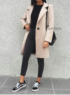 Woooooow Fashion never gone Winter Outfits Fashion Woooooow Hijab Casual, Casual Work Outfits, Mode Outfits, Work Casual, Classy Outfits, Stylish Outfits, Semi Casual Outfit Women, Teenage Outfits, Winter Fashion Outfits