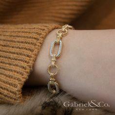 Yellow and White Gold Diamond Bracelet with Alternating Links angle Bracelets Design, Gold Bangles Design, Jewelry Bracelets, White Gold Diamond Bracelet, Diamond Bracelets, Trendy Jewelry, Gold Jewelry, Dainty Jewelry, Jewellery