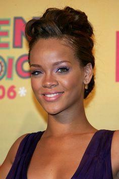Rihanna in The 8th Annual Teen Choice Awards - Press Room