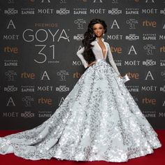 """Alma, for the third consecutive year, poses on the red carpet of the 31st edition of the Spanish film awards, """"Goya Awards""""."""