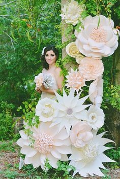 Paper flower themed bridal inspiration #wedding #boda #novia