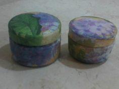decoupage sobre potes de crema facial (vacíos) se convierten en lindos pastilleros u alhajeros
