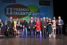 Con los premiados de la II Edición de los Premios Talento Joven Comunitat Valenciana