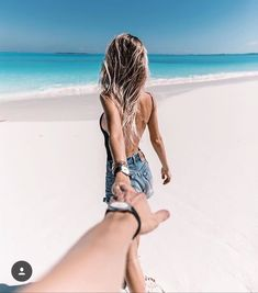 How to Take Good Beach Photos Couple Beach Pictures, Vacation Pictures, Travel Pictures, Vacation Photo, Fotos Strand, Bahamas Pictures, Punta Cana Pictures, Couples Beach Photography, Couples Vacation