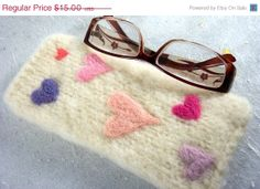 HOLIDAY SALE Glasses Case Pastel Sweet Hearts by DaisyandFlorrie, $11.25
