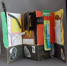 File folder report books - super cute way to assemble and present information on a topic
