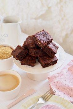 Banános brownie - Kifőztük, online gasztromagazin Brownies, Cupcakes, Food, Eat, Drink, Cake Brownies, Cupcake Cakes, Beverage, Essen