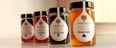 Το Χρυσόμελο είναι ένα ελληνικό ποιοτικό μέλι που κάθε χρόνο ξεκινά από την Καλαμάτα και ταξιδεύει σε ολόκληρη την Ελλάδα.