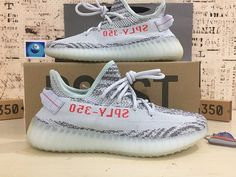 adidas Yeezy Boost 350 Blue Tint Size for sale online Summer Fashion For Teens, Tween Fashion, Runway Fashion, Teen Summer, Sporty Fashion, Fashion 2016, Japan Fashion, Fashion Weeks, Paris Fashion