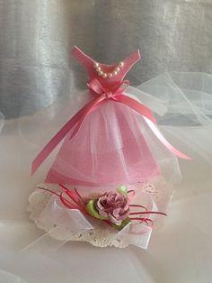 Vestido como souvenir  para XV años,Boda o invitaciones personalizadas,contactanos 015550059949,las tenemos  en el color de tu elección.