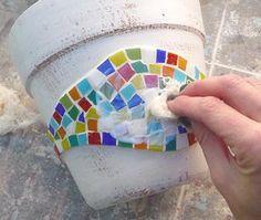 Aplique o verniz sobre o mosaico