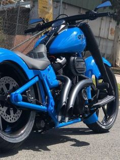 Harley Davidson Bike Pics is where you will find the best bike pics of Harley Davidson bikes from around the world. Harley Fatboy, Harley Davidson Fatboy, Harley Bikes, Harley Davidson Street Glide, Harley Davidson Motorcycles, Harley Davidson Engines, Harley Davidson Pictures, Milwaukee, Bicycle Sidecar