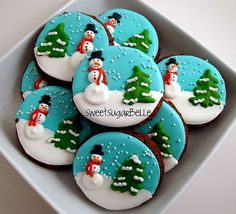 Christmas Sugar Cookies With Royal Icing Easy Christmas Cookie Recipes, Christmas Sugar Cookies, Christmas Sweets, Noel Christmas, Holiday Cookies, Christmas Baking, Snowman Cookies, Elegant Christmas, Winter Christmas