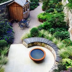 Urban Garden Design Eton Terrace garden, designed by Carolyn Grohmann, built by Water Gems, Urbis lily bowl Back Gardens, Small Gardens, Outdoor Gardens, Roof Gardens, Terrace Garden Design, Small Garden Design, Urban Garden Design, Garden Modern, The Secret Garden