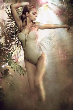 Alexandra Stan (639×960)