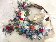 ブライダルオーダー リースブーケ19000円 プリザーブドフラワー&ドライフラワー  オーダー承ります◟̆◞̆ Christmas Wreaths, Floral Wreath, Holiday Decor, Flower Crowns, Holiday Burlap Wreath, Garland